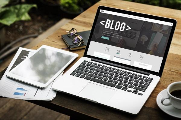 Schrijven voor anderen of op je eigen blog