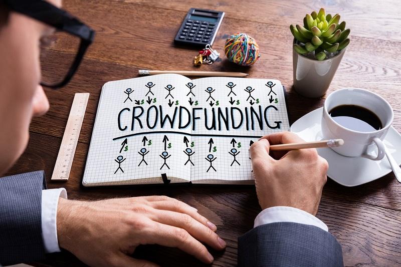 Hoe kun je geld verdienen met crowdfunding?